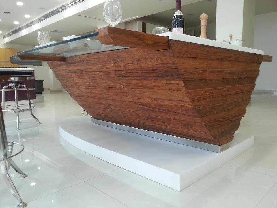 BOAT DINING TABLE